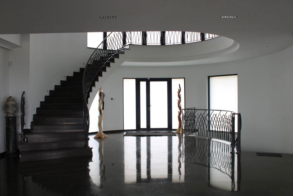 Escaliers de la Villa à louer sur la Côte d'Azur