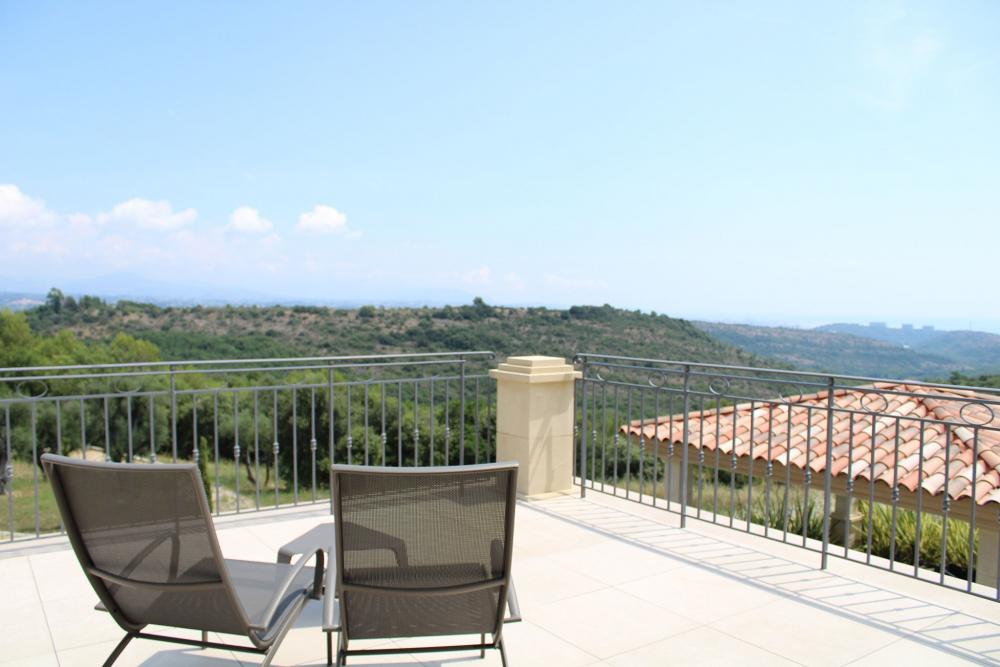 Vue du paysage depuis la Villa Azuréenne